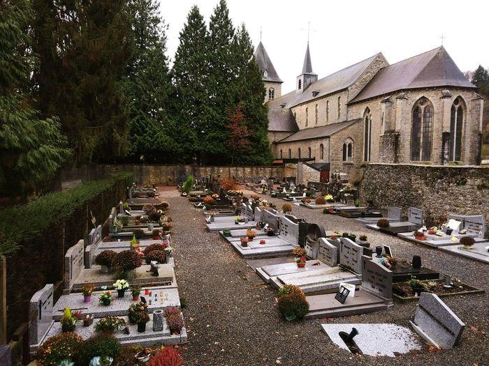 Architecture Outdoors No People Built Structure Sky Nature Cemetery Cementeri Belgium Brussel.les Church Esglesia