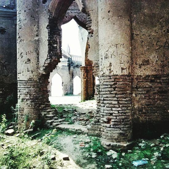 Wrecked_church|| Hometown <3 Old Buildings Historical Monuments Eyee EyeEmBestPics Eyeemgallery Hassan Karnataka India Shettyhalli Church