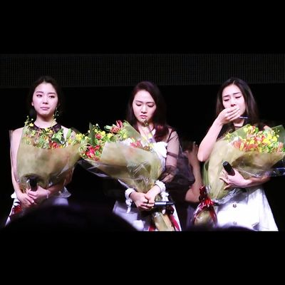 """On September 3, 2014, a fatal car accident took the lives of RiSe & EunB of LADIES' CODE (EunB was my brother's student). Almost a year after the tragic event, the remaining LADIES' CODE members (Ashley, Sojung, Zuny) held a memorial concert on August 22, 2015 in honor of RiSe & EunB, performing their new song """"아파도 웃을래 (Smile Even If It Hurts)"""" co-composed & written by Sojung. The song is set to be released on September 7, the date of RiSe's death. RIP RiSe & EunB...😢 and best wishes to Ashley, Sojung, and Zuny...🙏 LADIES' CODE FIGHTING! 🙌"""
