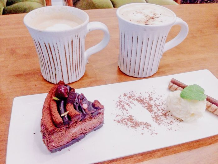 On A Date Cafe Latte In My Mouf Foodporn Food Chocolate Dessert Coffee First Eyeem Photo Yummy
