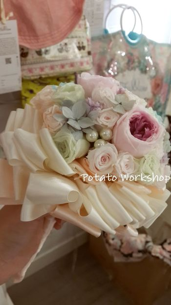 "Hello dear all, l hope everybody can chick a ""like"" my Facebook page! Thank you so much https://m.facebook.com/profile.php?id=559342217409135 Wedding Bouquet Wedding Flower Potato Workshop"
