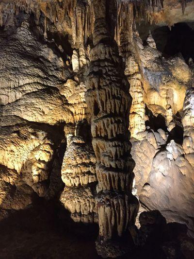 LurayCavernsVirginia Caverns Stalactites And Stalagmites Lost In The Landscape