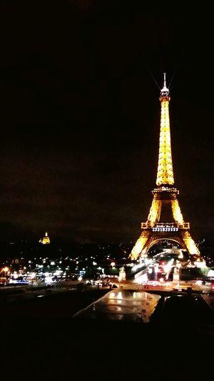 Eiffel Tower Tour Eiffel Paris ❤ Paris, France  Paris By Night Night Lights From My Point Of View Open Edit EyeEm Best Shots Trocadero Enjoying The View Tour Eiffla La Tour Eiffel🗼