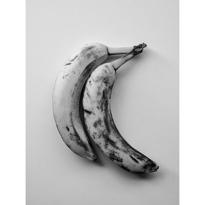 When i get bored, i'm eating banana, i'm like that dude :) Vscocam Vscocamgrid