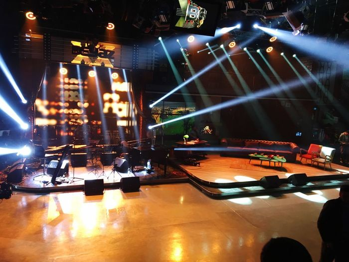 BEYAZ SHOW Arts Culture And Entertainment Illuminated Music Night Lighting Equipment Nightlife Reflection Performance No People Nightclub Popular Music Concert Indoors  Stage - Performance Space Concert Hall