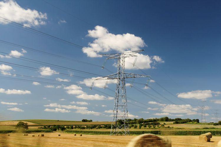 Blue Sky Pylons And Power Lines Pylons Landscape Landscape_Collection EyeEm Best Shots EyeEm Best Shots - Landscape Landscape_photography Auvergne Pylonporn
