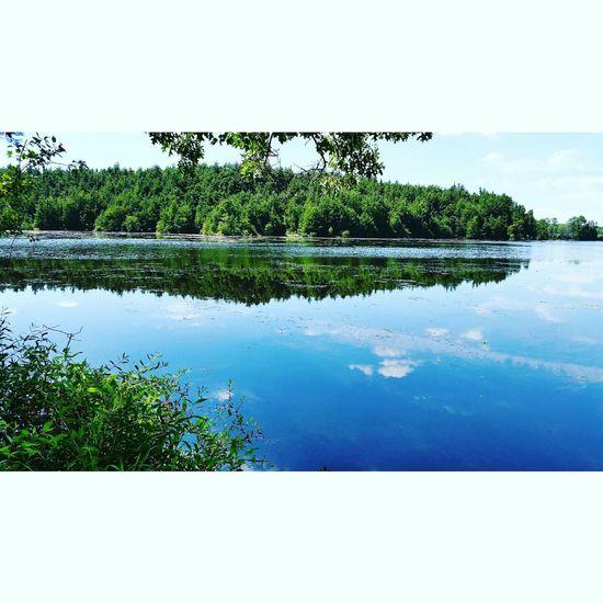 Taking Photos Skyporn Enjoying Life Beauty In Nature Beautiful Lake Life Lake View