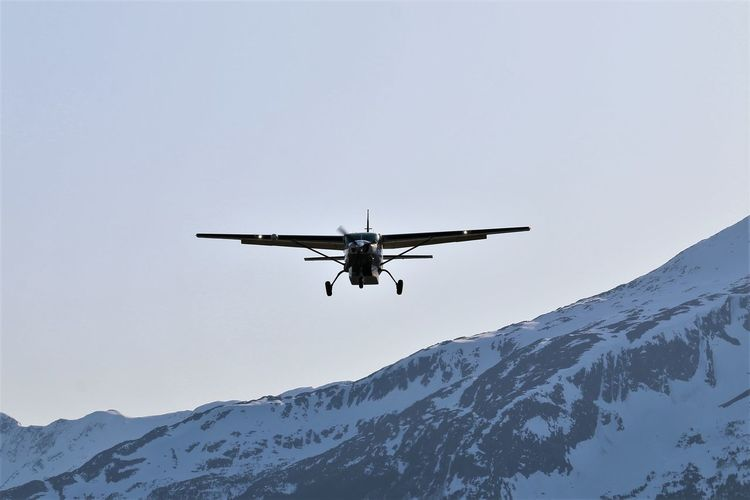 Sky Mountain Mountain Range Nature Airplane Small Airplane Bush Pilots Low Angle View Snowcapped Mountains Final Approach Skagway Alaska Small Aircraft Oncoming Vehicle