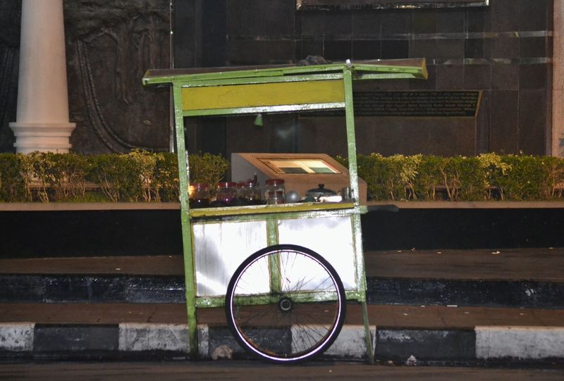 wedang ronde Wedang Ronde Gerobak EyeEmNewHere Bicycle Business Finance And Industry Outdoors Day No People