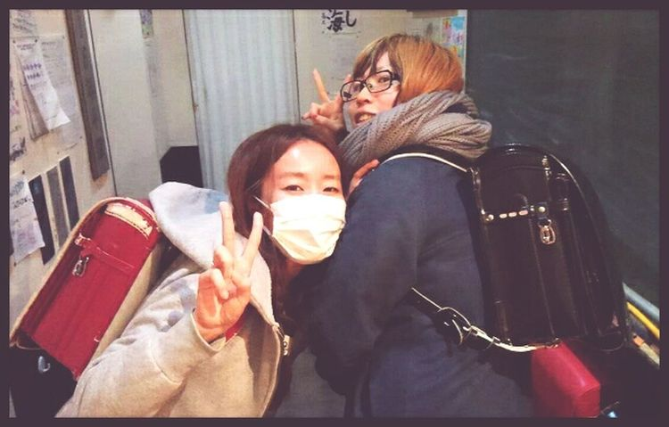 큰 초등학생들(・_・)Friends Hi! Good Night 給食 Yummy!!