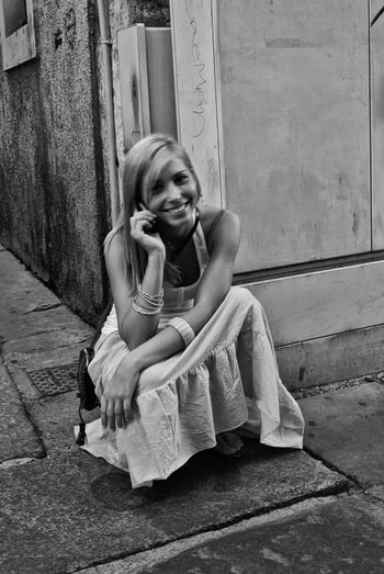 Blackandwhite Photography Portait Of A Woman Beautiful Smile Portrait Photography Smile Happy :) Talking On The Phone Summer Fashion Blonde Hair Streetphotography Street Portrait Street Photography