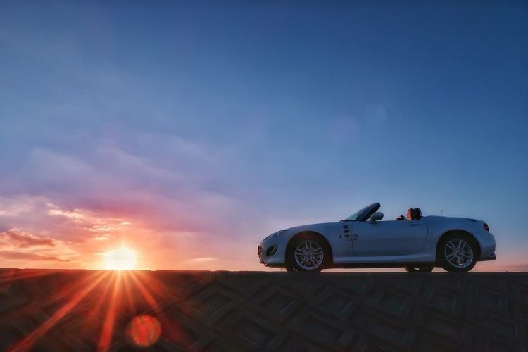 夕陽 夕日 ソラ 空 夕焼け マツダ ロードスター 太陽 秋 秋空 Sunset Sky Mazda Roadster Mx5 Miata Mx5 Miata Autumn Mode Of Transport Transportation ソラ Silhouette Sun Car Nature