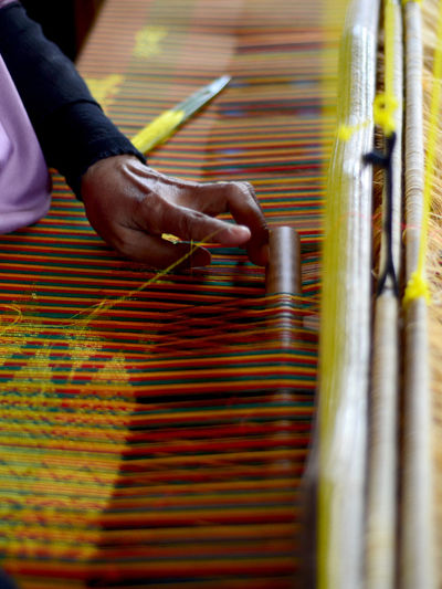 Cropped hand weaving loom in factory