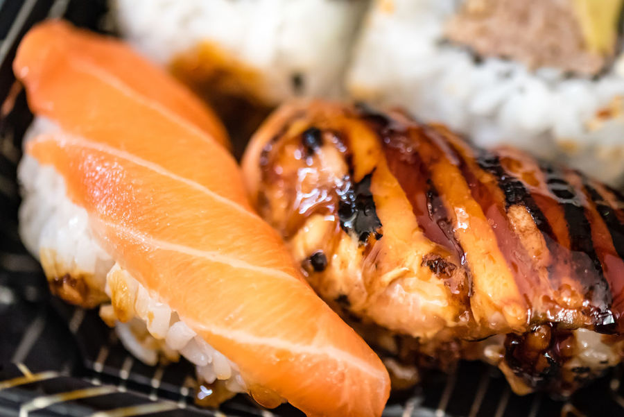 Japanese Food Macro Photography Pink Rice Seafood Sushi Closeup Focus On Foreground Food Food Stories Fresh Healthy Eating Japanese Food Mackerel Ready-to-eat Salmon Salmon Sushi Seafood Selective Focus Still Life Sushi Plate Top View Tuna Tuna Roll White
