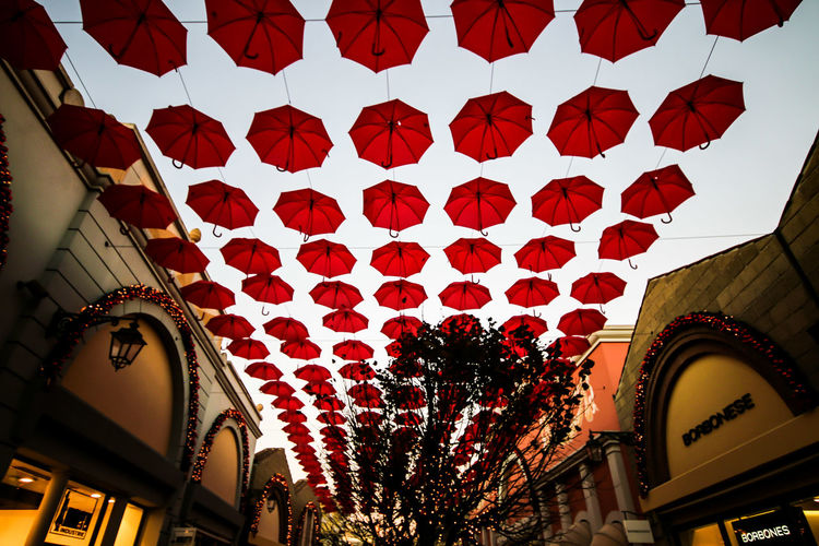 Lighting Equipment Built Structure Architecture Indoors  Low Angle View Illuminated Chinese Lantern No People Cultures Hanging Chinese Lantern Festival Day Red Yellow Gold Colored First Eyeem Photo Sky Outdoors Business Finance And Industry City Sunset Architecture Paris