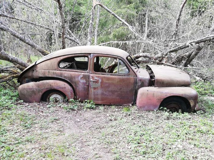 Discarded Wreck Decline Worn Out Vintage Car Ruined Vehicle