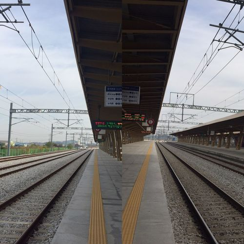 Railroad Track Rail Transportation Track Transportation Sky Mode Of Transportation Railroad Station Public Transportation Railroad Station Platform Architecture Built Structure The Way Forward Travel