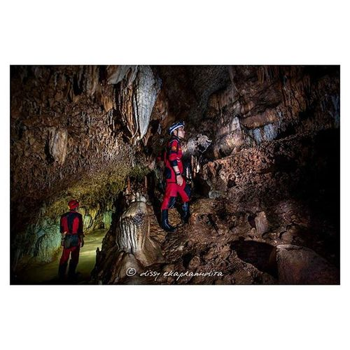 Beauty inside the earth Caver Caving Caveman Gunungkidul 1000kata Natgeotravel Nationalgeographic Natgeoindonesia Asiangeographic Instalike Instagram Instagood Instadaily Instamood Petzl Petzlgram