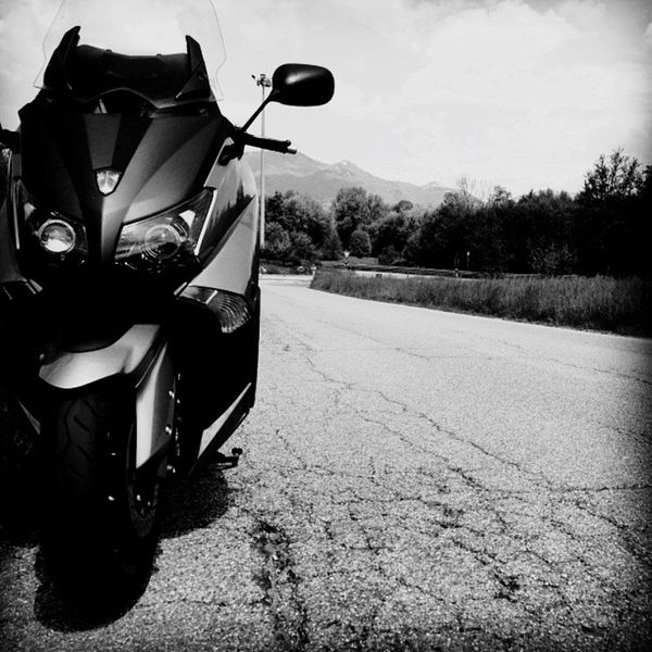 Tmax 530 Motorcycles Tmax530 Transportation Mode Of Transport Road Shadow Land Vehicle Mountain Outdoors Sky Day Country Road No People The Way Forward Parked Tranquil Scene