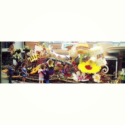 Le Monet's float FlowerFestival Panagbenga Baguioph Campjohnhay
