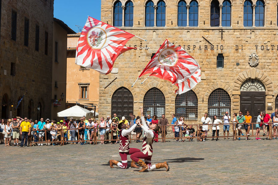 Flags II 2016 Festa Festival Italia Large Group Of People Medieval Peter_lendvai Photography Phototrip Toscana Travel Travel Destinations Volterra