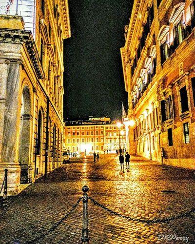 """Nocturnal Piazza Colonna"" Fb Roma Rome Noidiroma Repostromanticitaly Italy Italia Italianarchitecture Architecture Piazzacolonna Night Citylights Citylife Ok_streets Photobydperry"