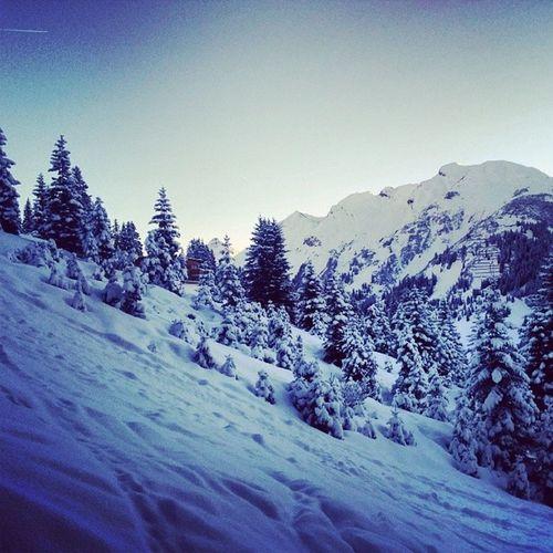 Morning Skiing Aelberg Lech austria