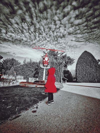 Le petit chaperon rouge Full Length Water Women Red Rear View Weather Sky Energetic Under Below Monsoon Wet Rainy Season Torrential Rain Underneath Energy Rainfall Umbrella RainDrop Puddle Rain Snowfall