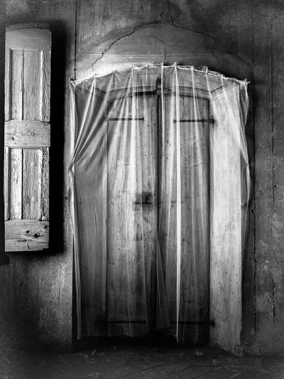 Black & White[Blackandwhite Photography photographersAbandonedeAncient ArchitecturehAncient ManorbDeterioration DooreHaunted Places photography