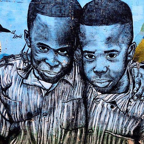 Historia de pequeños gigantes Art And Craft Callesdemedellin Graffitours Comuna 13