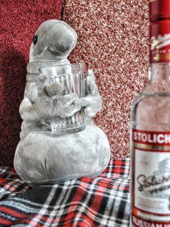 пятница  ждун отдых алкоголь Россия ретро Стиль Toy Игрушки Friday лакиМираж лмд Alcohol водка Relax Russia LakiMirazh Lmd Art Vintage Vodka Shabbat Shabbatshalom Serpukhov Фотосессия Bottle Close-up Airtight Jar Served