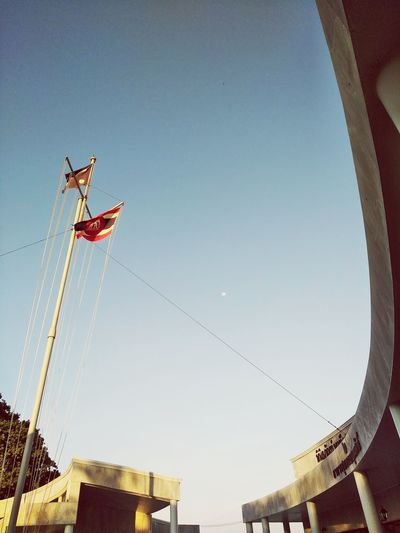 Thai navy flags and curve of building architecture's Flagpole Outside Sturcture Musuem Corner Building Thailand Mobilephotography Flags Curved  No People Clear Sky