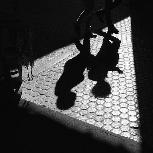 Streetphotography Everydaymiddleeast Mydubai Bnw_magazine Bnw_captures EverydayStreet Everybodystreet Dubaistreet Streetphotographer Canon_photos Streetphotographyintheworld Canon_photos **Canon5DmarkII+Canon17-40L-seriesLens Mydubai Hipasnap Streetshot Photoliga Photoliga_tc Ig_captures