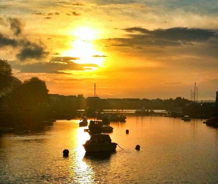 Sunrise_sunsets_aroundworld Sunrise River Leven River Scotland