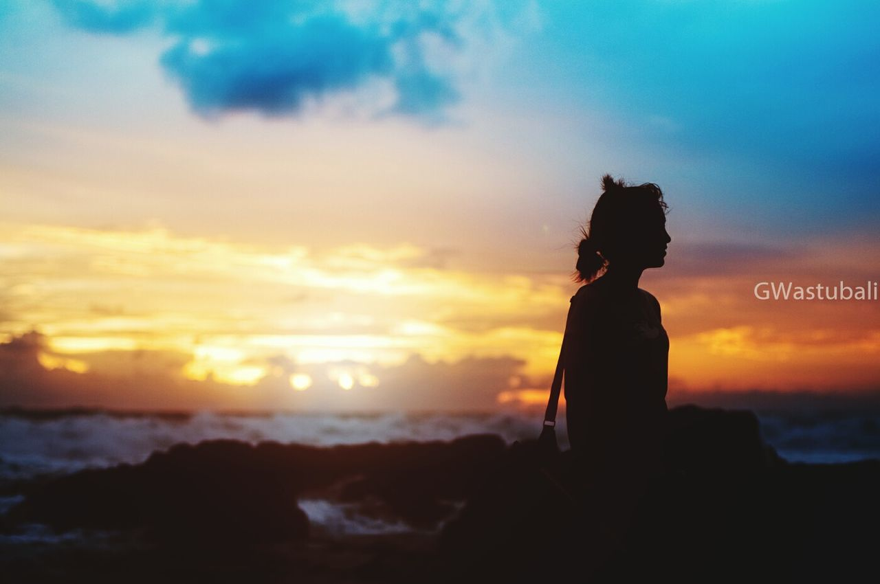 sunset, silhouette, sky, cloud - sky, real people, one person, nature, beauty in nature, outdoors, women, sun, standing, scenics, lifestyles, sea, bride, day, people