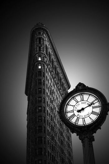 Architecture Architecture_collection Flatiron Building Flatiron District Manhattan Manhattan New York New York New York City Architecture Architecture_bw Bnw_captures Building Building Exterior Buildings Buildings Architecture Built Structure City Clock Clock Face Light And Shadow Low Angle View New York Buildings Skyscraper
