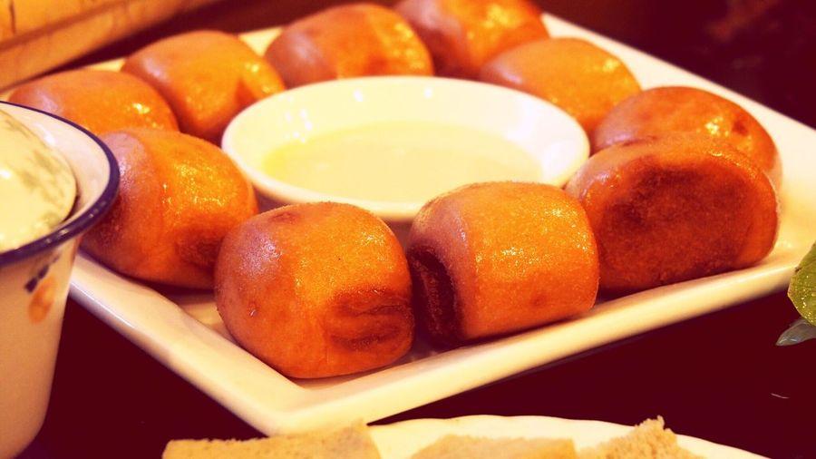 迎宾楼 Yinchuan,China 银川 油炸小馒头配炼乳 Dessert