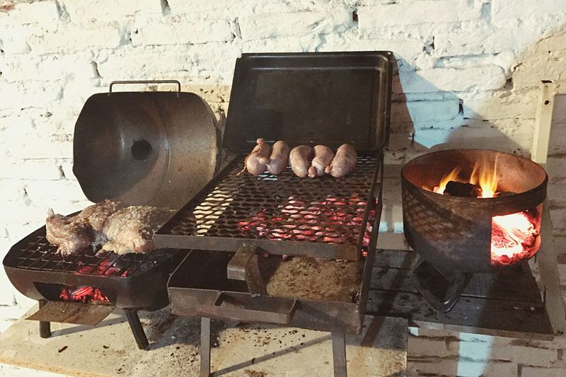Table No People Indoors  Day Asado Argentino Asadofamiliar Asadoargentino Asado Meat! Meat! Meat! Barbecue Fire Food Parrilla