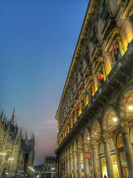 Architecture Milano Loves_milano Vivomilano Milan Travelitaly Milanleungranmilan Traveleurope Welovemilan Milanodavedere Duomomilano Beautifulitaly Volgomilano Travelmilano Loveitalia Quattropassiincentro