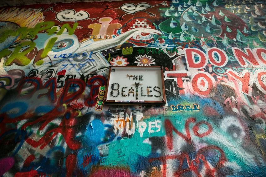 EyeEm Gallery John Lennon's Wall Lennon Wall Praha The Week on EyeEm Tourist Travel Canonphotography Light And Shadow Travel Destinations