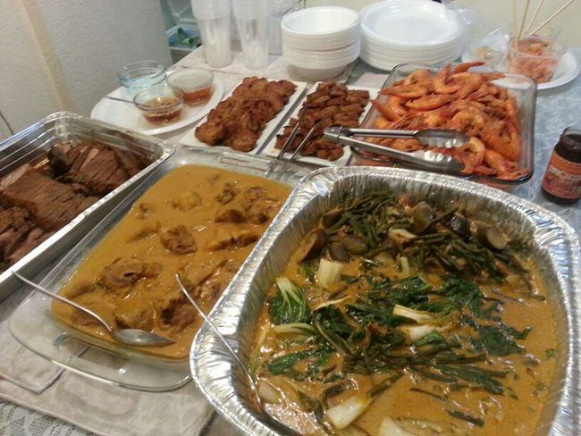 Christmas Eve Dinner.....Filipino Style :)