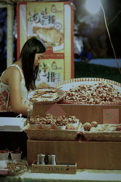 Food Trip Fried Chicken Skin Street Food Market Pretty Girl Streamzoofamily Eye4photography  Delicious Tadaa Community
