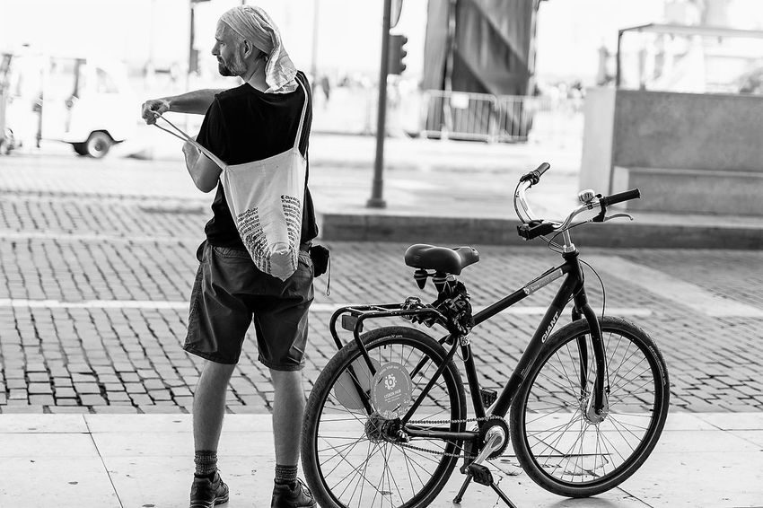 Adult Bicicleta Bicycle City Cycling Lisboa Lisbon One Man Only One Person Only Men P&B Preto E Branco Tourist Transportation Turista