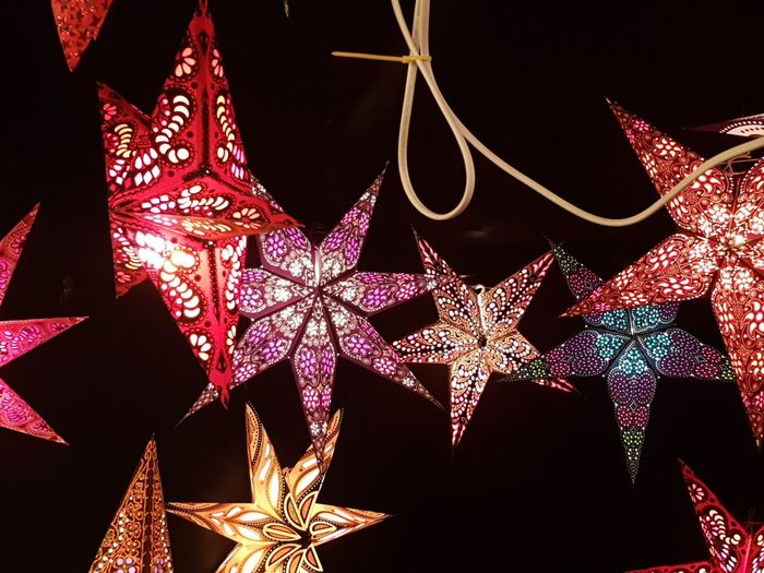 Stars Lights Christmas Representing Black Background Christmas Decoration Christmas Red Celebration Glitter Christmas Ornament Shiny Star - Space