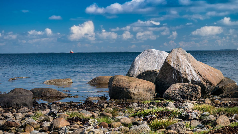 Sea Water Rock Sky Solid Horizon Over Water Rock - Object Cloud - Sky Horizon Land Non-urban Scene Rocky Coastline No People Beauty In Nature Tranquil Scene Scenics - Nature Nature Beach Tranquility Day Outdoors