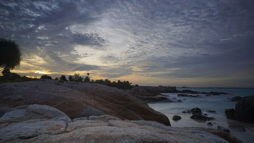 pantai Parai Tengiri. Parai Tengiri beach. Resort Scenic View Scenic Seaviea Rocky Beach Granitic Beach Granitic Boulder Travel Travel Photography Landscape Landscape Photography Photography By @jgawibowo Arif Wibowo Photoworks Shot By @jgawibowo Shot By Arif Wibowo Beach Sunset Cloud - Sky Sea Sky Landscape Nature Beauty In Nature Scenics Water