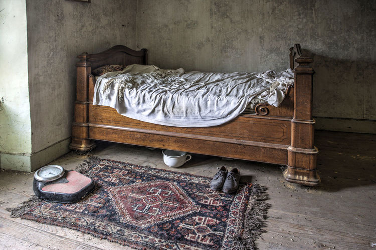Abandoned Balance Beauty In Nature Bedroom Farmhouse No People Old Farm House Old Farmhouse Shoes Sleeping Room Still Still Life Lonely Unvisited Left Behind Deserted Deserted House Deserted Places Deserted Houses Deserted Building Deserted Home Lonely Place  Lonely Object Lonesome Intimate