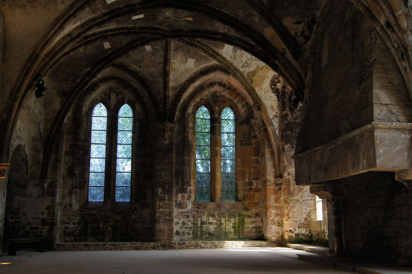 Abbaye de Beauport Abbaye De Beauport Arch Architecture Bretagne Built Structure France Frankreich History Indoors  No People Place Of Worship Religion Window EyEmNewHere