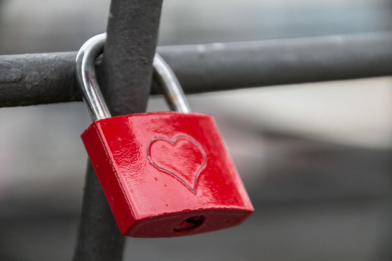 Castle Close-up Day Focus On Foreground Heart Liebesschloss Liebesschlösser Lock Love Love Love Castle Lovecastle No People Outdoors Padlock Red Safety Security