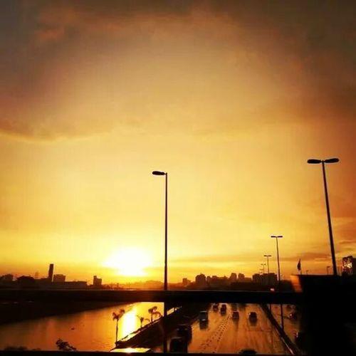 Um lindo pôr do sol na cidade de pedra, São Paulo - Lapa Discover Your City